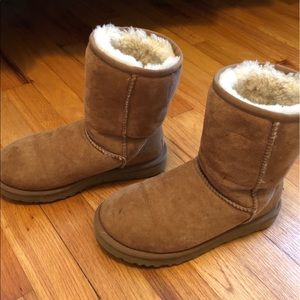 UGG Shoes - AUTHENTIC chestnut brown UGGs